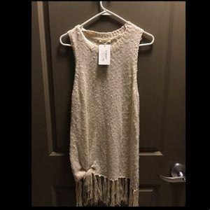 Brand new sleeveless sweater with fringe boutique